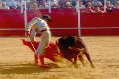 Paco Velásquez triunfa em Espanha