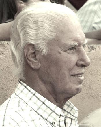 Morreu Mário Freire