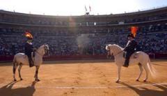 Triunfos de Luis Bolívar e David Mora
