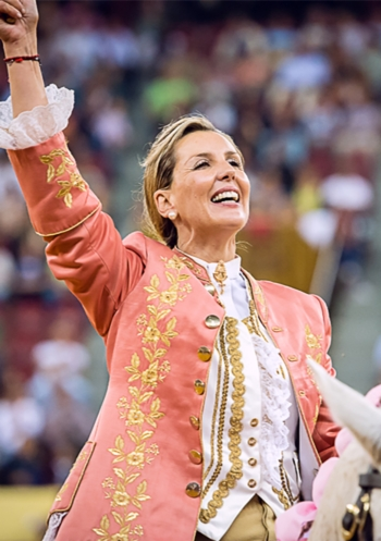Ana Batista e forcados de Santarém, Montemor e Lisboa em destaque no Campo Pequeno TV